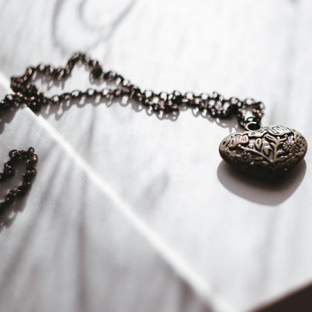 antique heart shaped locket by freestocks--1aE4Kpy-Qc-unsplash